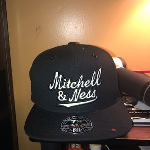 a4bdd7809048f Mitchell   Ness Fitted Hi Crown 7 1 8 Size